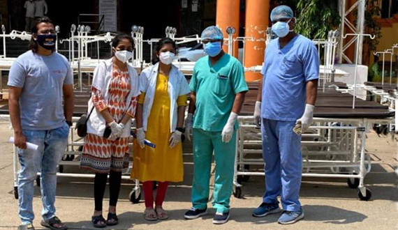 Rotaractors donate beds